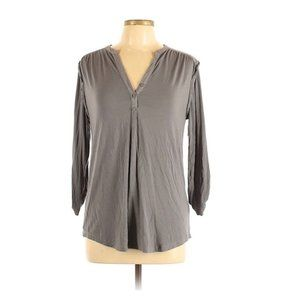 Cable & Gauge Short Sleeve Henley Gray Ruched Top